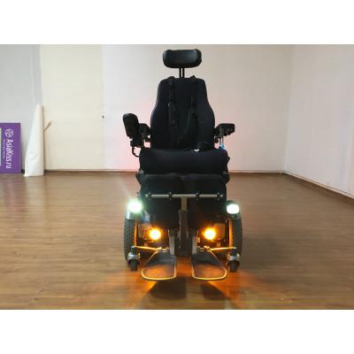 Кресло-коляска с электроприводом Permobil C400