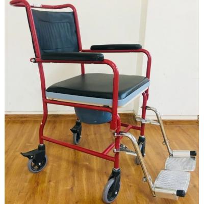 Кресло-каталка с санитарным оснащением FS692