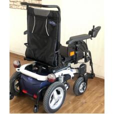 Кресло-коляска с электроприводом Invacare Bora